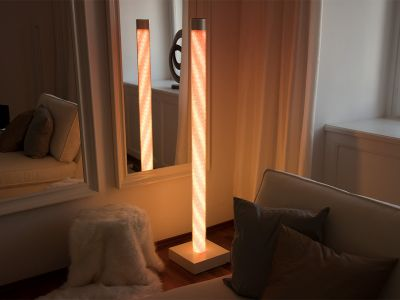 Glaszone Stehlampe Kristall mit RGB-Licht in orange-weiß