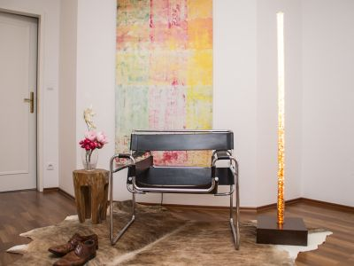 Glaszone Floor Lamp Crystal iris-brown in the living area